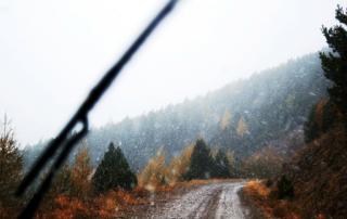 Conducir bajo lluvia intensa con seguridad