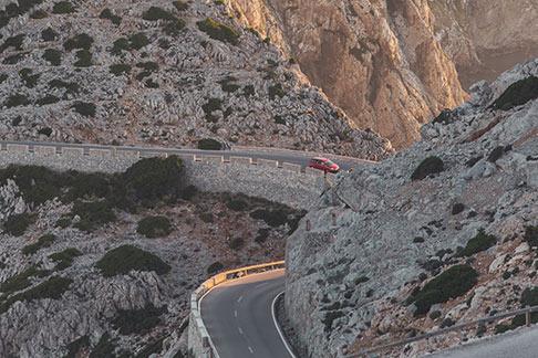 ¿Es seguro viajar por carreteras secundarias?